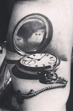 Tattoo Artist - Yomico Moreno - time tattoo