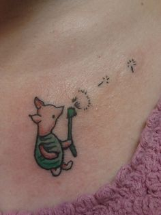piglet tattoo blowing a dandelion Snoopy Tattoo, Mama Tattoos, Body Art Tattoos, Pig Tattoos, Disney Tattoos, Funny Tattoos, Cool Tattoos, Piglet Tattoo, Winnie The Pooh Tattoos