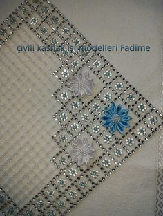 Facebook Turkish Pattern, Plastic Canvas, Beaded Jewelry, Sewing Projects, Couture, Stitch, Facebook, Beads, Diamond