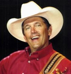 #GeorgeStrait Famous Country Singers, Country Musicians, Country Music Artists, George Strait Family, Joyce Taylor, Texas Music, Donny Osmond, Baked Garlic, Lucky Ladies