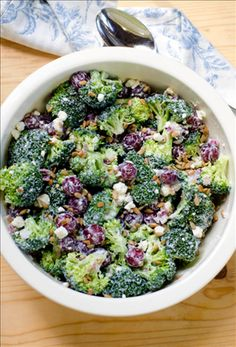 Broccoli Grape Salad with Feta - A potluck and backyard barbecue staple. This broccoli grape salad with Nikos® brand Fat Free Feta Cheese will make guests excited about broccoli salad again! Healthy Lemonade, Lemonade 5, Broccoli Grape Salad, Salad Recipes, Healthy Recipes, Healthy Foods, Valerie's Kitchen, Summer Side Dishes, Fast Easy Meals