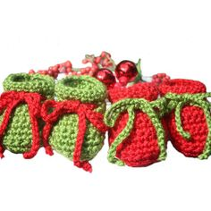 Christmas Sparkle Crocheted Baby Booties Sparkle Baby Shoes Christmas... (€13) ❤ liked on Polyvore featuring integritytt, etsyspecialt and imaginebaby