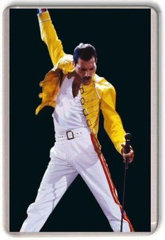 Sacha Baron Cohen has left the long-in-development biopic of Queen singer Freddie Mercury over reported disagreements with the surviving band members over the direction of the film. T Shirt Metallica, Pink Floyd Dark Side, Ac Dc, Led Zeppelin, Elvis Presley, Hard Rock, Rock Rock, Heavy Metal, Musica