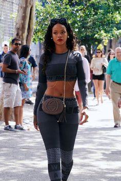 Rihanna The Real Queen 🔱 Rihanna Body, Looks Rihanna, Mode Rihanna, Rihanna Riri, Rihanna Style, Rihanna Thick, Rihanna Makeup, Rihanna Outfits, Fashion Outfits