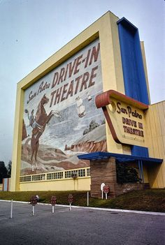 Why old drive-in movie theaters were popular, and what they were like, at ClickAmericana.com - #drivein #driveinmovie #movietheaters #movietheatres #vintagemovies #classicfilms #clickamericana