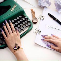 Usluairlines, Nails, hands, mailpolish, Editorial, manikure, nailstills, nailfashion, ghettonailsberlin