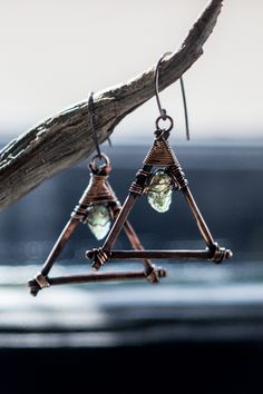 Triangle copper earrings. Minimalist styleraw apatite crystal point. By Nigredo Lab.