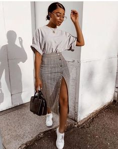 fashion inspo Autumn - Fall - Winter - Acne Studios - Street Style - A/W 18 - FW 18 - Inspiration - Fashion - Anniken - Annijor - Olsen Twins - Shoes - Boots - OOTD - Zoella Street Style Outfits, Mode Outfits, Fall Outfits, Summer Outfits, Casual Outfits, Hijab Casual, Korean Outfits, Classy Chic Outfits, Korean Clothes