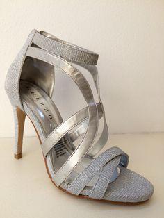 Zapato de Fiesta, GREZZO. Alonso de Cordova 4034, Vitacura, Chile. Alonso, Chile, Sandals, Shoes, Fashion, Party Shoes, Moda, Shoes Sandals, Zapatos