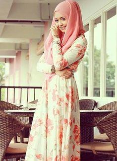 pretty spring fashion :) #floral #pink #peach #coral #white #dress #hijab