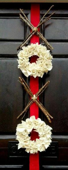 Valentines Day Decor - burlap wreath - XOXO - hugs and kisses - xo wreath - red pink - Valentines wreath via Etsy. Valentine Day Wreaths, Valentines Day Decorations, Valentine Day Love, Valentine Day Crafts, Holiday Crafts, Holiday Fun, Holiday Decor, Valentine Ideas, Valentines Day Decor Outdoor