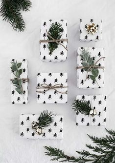 50 of the most beautiful Christmas gift wrapping ideas (with stacks of free printables! Christmas Mood, Noel Christmas, Simple Christmas, Holiday Fun, Festive, Natural Christmas, Modern Christmas, Beautiful Christmas, Christmas Gift Wrapping