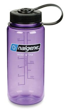 Having a reusable water bottle is an awesome idea for the environment, but it's also an awesome way to grow bacteria. Most Favorite, Favorite Things, Reusable Water Bottles, Drinking Water, Drinks, Environment, How To Make, Vacation, Google Search