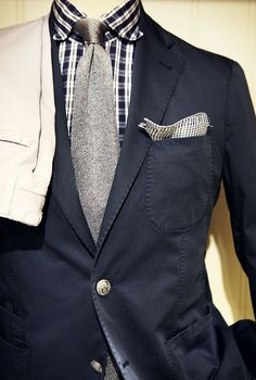 Love the mix of navy and grey