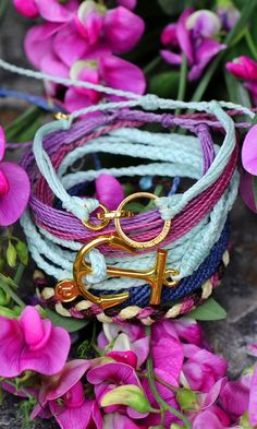 Gold Anchor Bracelets and Accessories for Spring Bracelet Crafts, Jewelry Crafts, Cute Jewelry, Women Jewelry, Anchor Bracelets, Country Outfits, Tiffany Blue, Jewellery Display, Cute Fashion
