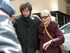 Actress Lauren Bacall (R) arrives outside of  Lenox Hill Hospital where Natasha Richardson is being treated on March 18, 2009 in New York City.  (Photo by Mark Von Holden/Getty Images) *** Local Caption *** Lauren Bacall