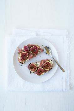 Goat cheese, prosciutto and fig tartines | Renee Kemps