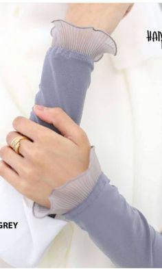 Handsock Maira (Grey), Women's Fashion, Muslimah Fashion on Carousell - women gloves fashion Fashion Muslimah, Hijab Fashion, Fashion Outfits, Muslim Fashion, Modest Fashion, Modest Dresses, Modest Outfits, Modest Clothing, Hand Socks