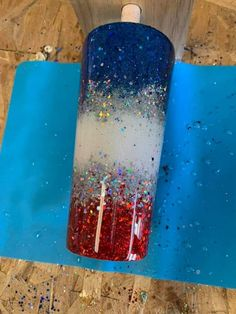Vinyl Tumblers, Custom Tumblers, Diy Resin Projects, Resin Crafts, Cup Crafts, Crafts To Make, Daisy, Glitter Crafts, Painted Cups