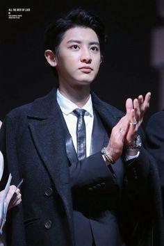 - He looks like a young ceo haha Park Chanyeol Exo, Exo K, Baekhyun, Chanbaek, Heartbeat, Girls Generation, Tao, Boy Bands, Kdrama