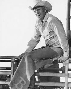 JUNIOR BONNER (1972) - Steve McQueen as professional rodeo cowboy 'Junior Bonner' on location in Prescott, Arizona - Directed by Sam Peckinpah - Cinerama - Publicity Still.