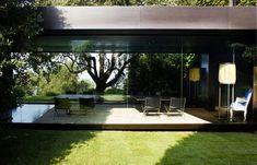 Contemporary House With Amazing Landscape   DesignRulz.com