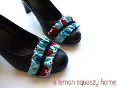 DIY Shoes : DIY Removable Shoe Ruffles