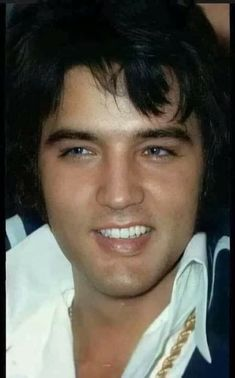 Judy Holliday, Elvis Presley Pictures, Graceland Elvis, Young Elvis, Elvis And Priscilla, You're Hot, Great Smiles, Music Like, Christian Grey