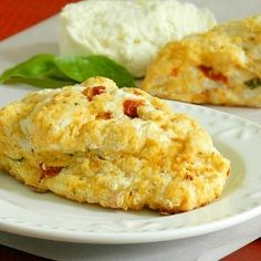 A pizza scone, the perfect grab-n-go lunch!