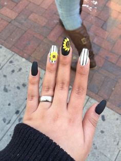 Sun Flower nail design, cute, strips , black and white, yellow https://www.facebook.com/shorthaircutstyles/posts/1759167777706995