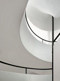Villa Savoye — Le Corbusier, 1928-1930 Poissy, France.