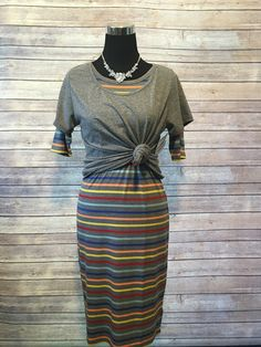 Astounding 60 LuLaRoe Outfit Ideas https://fazhion.co/2017/03/27/60-lularoe-outfit-ideas/ Tunics are created with leggings in mind. A blouse and pants by way of example will cause you to look short unless... 1). If your black dress has lots...
