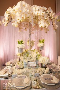 All White Floral Table Decoration for a Wedding | Butterfly Floral and Event Design | Duke Photography | I Do! Bridal Event for the Stylish Bride