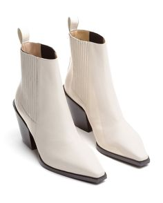 Kate Leather Booties by Aeyde Fashion Boots, Sneakers Fashion, Cowgirl Fashion, Fashion Clothes, Cute Womens Shoes, Bridal Sandals, White Boots, Luxury Shoes, Leather Booties