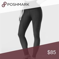 Nike sculpture leggings Worn 4-5 times. Good used condition. Size medium but the waist runs small - would fit a lulu 4/6. Retail is $150. No pill. selling because I prefer midrise! These are a higher rise waist! Nike Pants Leggings