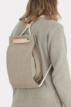 https://thisispapershop.com/collections/all-products/products/pocket-bag-medium-raw-natural