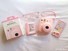 Polaroid Camera White With Film Mini 8 Camera, Cute Camera, Polaroid Camera Instax, Fujifilm Instax Mini 8, Fuji Instax, Barbie, Camera Reviews, Mini Things, Vintage Cameras