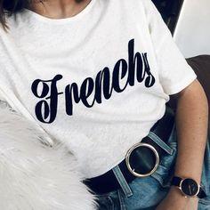 """Le tee-shirt à message, la """"it"""" tendance fast fashion du moment ! (instagram Emilie_tla)"""