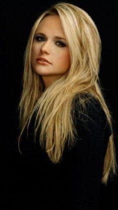 Miranda Lambert (: beautiful she is my Idol Miranda Lambert News, Miranda Lambert Photos, Country Music Artists, Country Singers, Divas, Female Singers, Woman Crush, Belle Photo, Girl Crushes