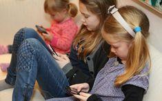 Smartphone-urile oferite copiilor la vârste nepotrivite pot avea efecte la fel de negative ca cele ale unui gram de cocaină, spun experţii în dezintoxicare.