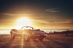 The first genuine Jaguar XKSS to be built in almost 60 years was today given its world debut presentation at the Petersen Museum, Los Angeles by Jaguar Classic Classic Sports Cars, Classic Cars, Jaguar, Los Angeles Museum, Sunset Wallpaper, Car Memes, Pre Production, Steve Mcqueen, Back To The Future
