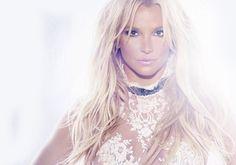 """Conoce las Distintas Versiones Físicas de """"Glory"""" (Fotos)   Qué versiones tienes? Por qué mood ring solo salio en japón?  En esta galería podrás conocer las distintas versiones de Glory en todas partes del mundo desde su version clean hasta su version explicita.  Ademas la version Japonesa del disco en un Unboxing el cual contiene """"Mood Ring"""" esto es algo que el equipo de Britney ha hecho en varias ocasiones desde In The ZoneJapón es un país que poco consume música POP americana por lo que…"""
