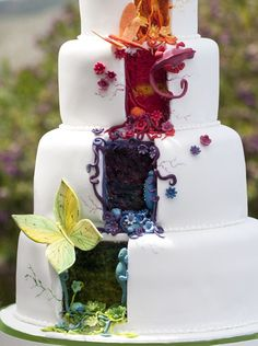 """So pretty and sounds delicious """"A detail of the courgette, pistachio and lime tier and the blueberry tier above it"""""""