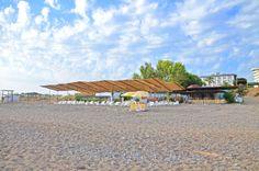 En Uzuun Plaj  Denize Sıfır konumda olan Hünkar Palace Hotel&Spa, yaklaşık 250 metre uzunluğundaki sahili ile bayanların haşemalı olarak faydalanabildikleri plaj imkanı sunmaktadır.