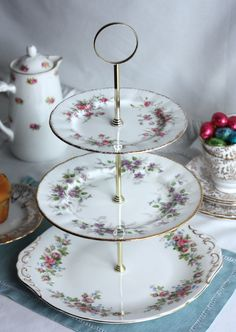 tiered cake stand/cupcake pedestal ღ