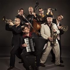 #Amsterdam_Klezmer_Band is going to perform live on 29 December @ #Mezrab, #Amsterdam. Click here..https://goo.gl/irXF8o to read more..
