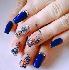 Taking the lead in everything fashion and beauty, nail trends out of Korean never fail to enchant us. This time, their eye-catching nail art designs are blowing up our soci… Nails & Co, Blue Nails, Hair And Nails, Nail Art Designs, Nail Design Spring, Korean Nail Art, Butterfly Nail Art, Stylish Nails, Easy Nail Art