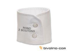 La chemise homme poignet rond 2 boutons possède une hauteur de 7cm. Ses deux boutons lui confèrent un style plus travaillé et recherché qu'un poignet simple. L'intérieur du poignet peut être de couleur contrastée.