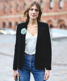 London Street Style That Just Oozes Cool #refinery29 http://www.refinery29.com/2016/02/103453/london-fashion-week-fall-winter-2016-street-style-pictures