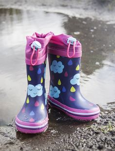 Welly boots should always have coulds and raindrops on. Welly Boots, Shoe Shop, Kid Shoes, Clarks, Cool Kids, Rubber Rain Boots, Trainers, Kids Fashion, Footwear
